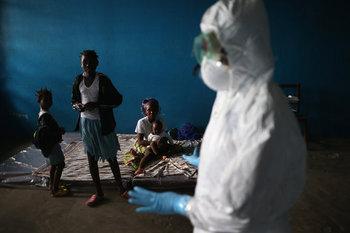 猛威をふるうエボラウイルス病.jpg